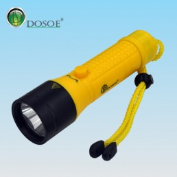 A8 Professional Diving Flashlight